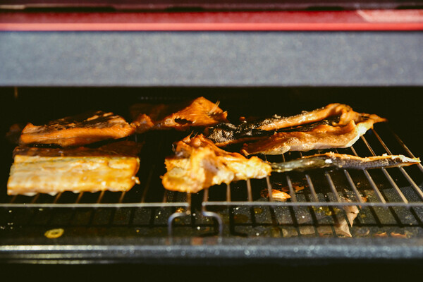 皮周りもオーブンでカリカリに焼く