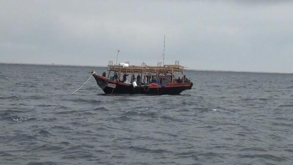 ロシアの排他的経済水域内における、北朝鮮の漁船