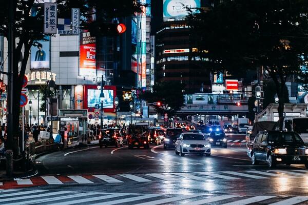 東京の交差点写真